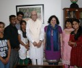 College students from Asha slum communities meets Mr LK Advani