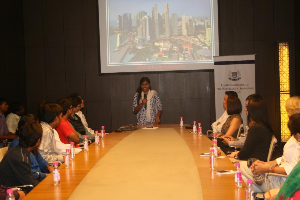 Kaushalya from Ekta Vihar slum colony sharing about her association with Asha