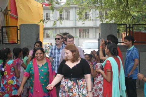 Team from Australian World Orchestra visits an Asha slum