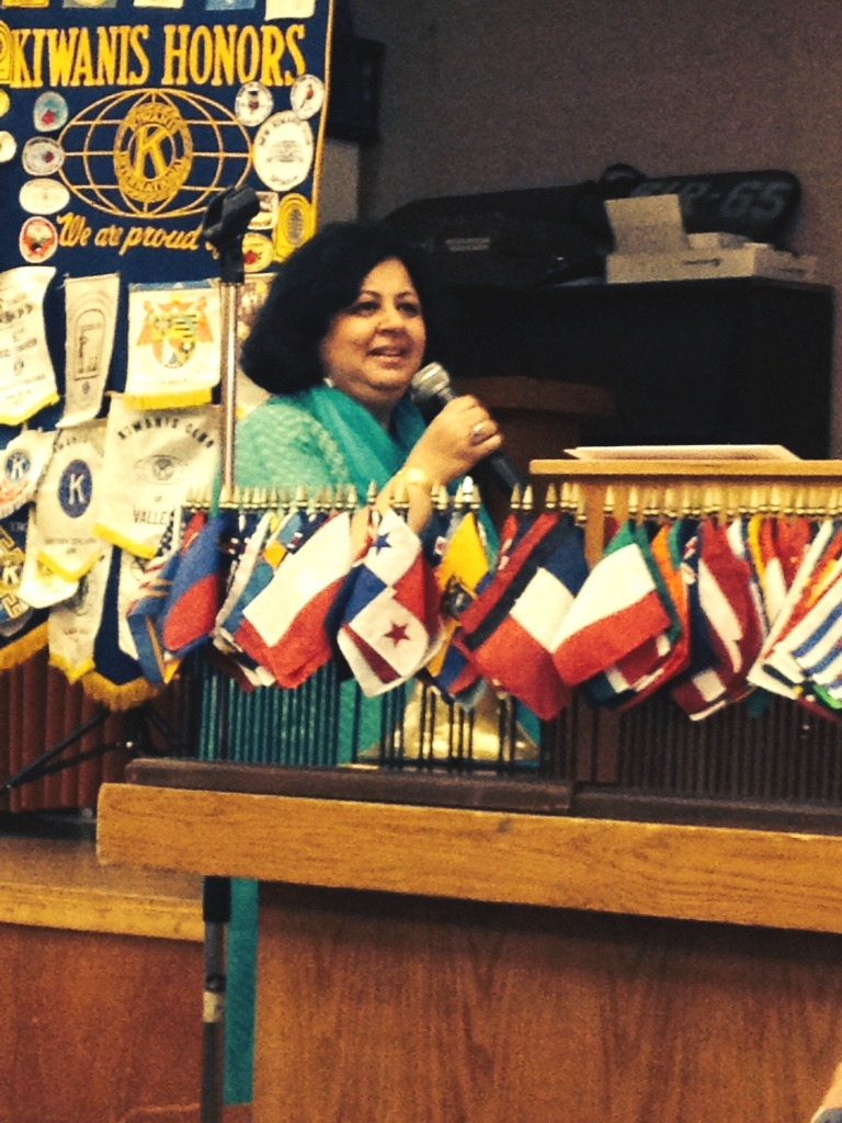 Dr Kiran addressing a large gathering at the Kiwanis Club of Napa