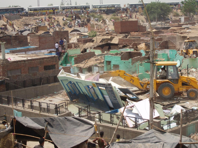 Thokar No. 8 during the demolition (2006)