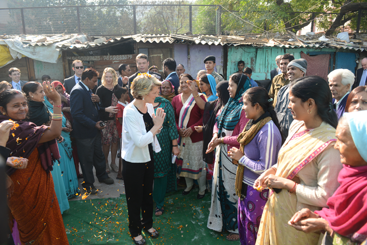 Asha Team and community at Dr. Ambedkar slum colony welcome the Hon'ble Minister