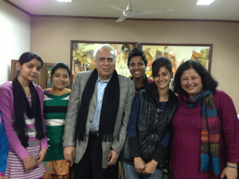 Asha's University Students meet India's Minister for Information and Communication Technology, Mr Kapil Sibal