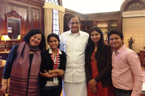 India's Finance Minister meets students from Asha communities