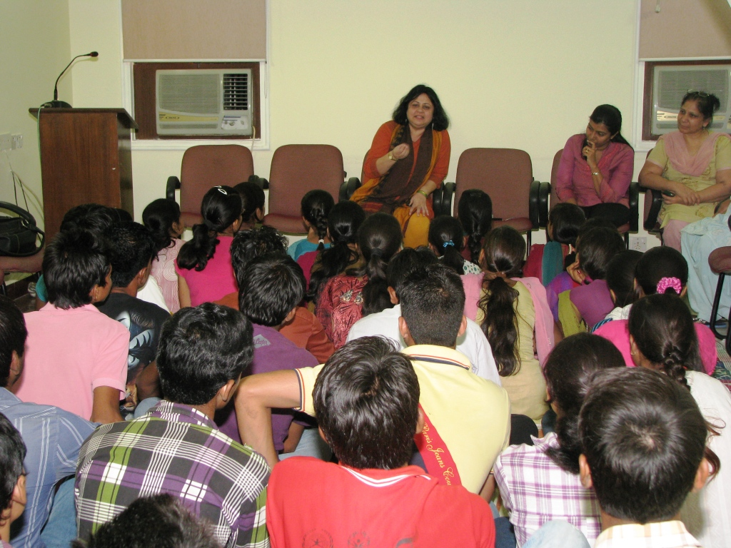 Above: Dr. Kiran imparts words of advice on to the students