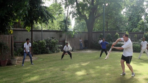 Australian High Commission hosts cricket practice session for young cricketers from Asha slums