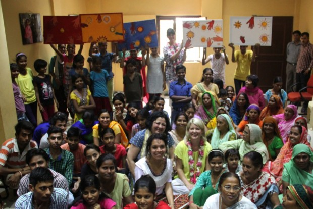 Internationally Acclaimed Artist holds workshop for Asha students