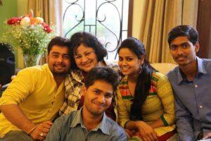 Dr. Kiran with Asha Student Ambassadors