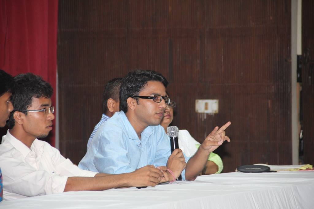 Student Ambassador Sunil answering one of the queries