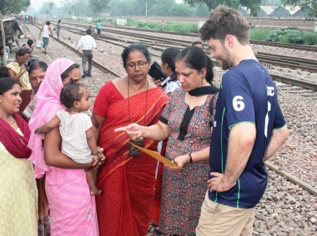 Australian Cricketer Ryan Carters visits Asha