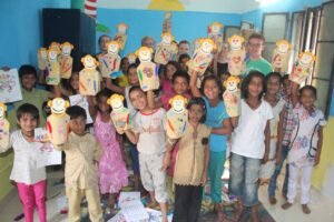 Asha children made these hand puppets during their art class with the volunteer team