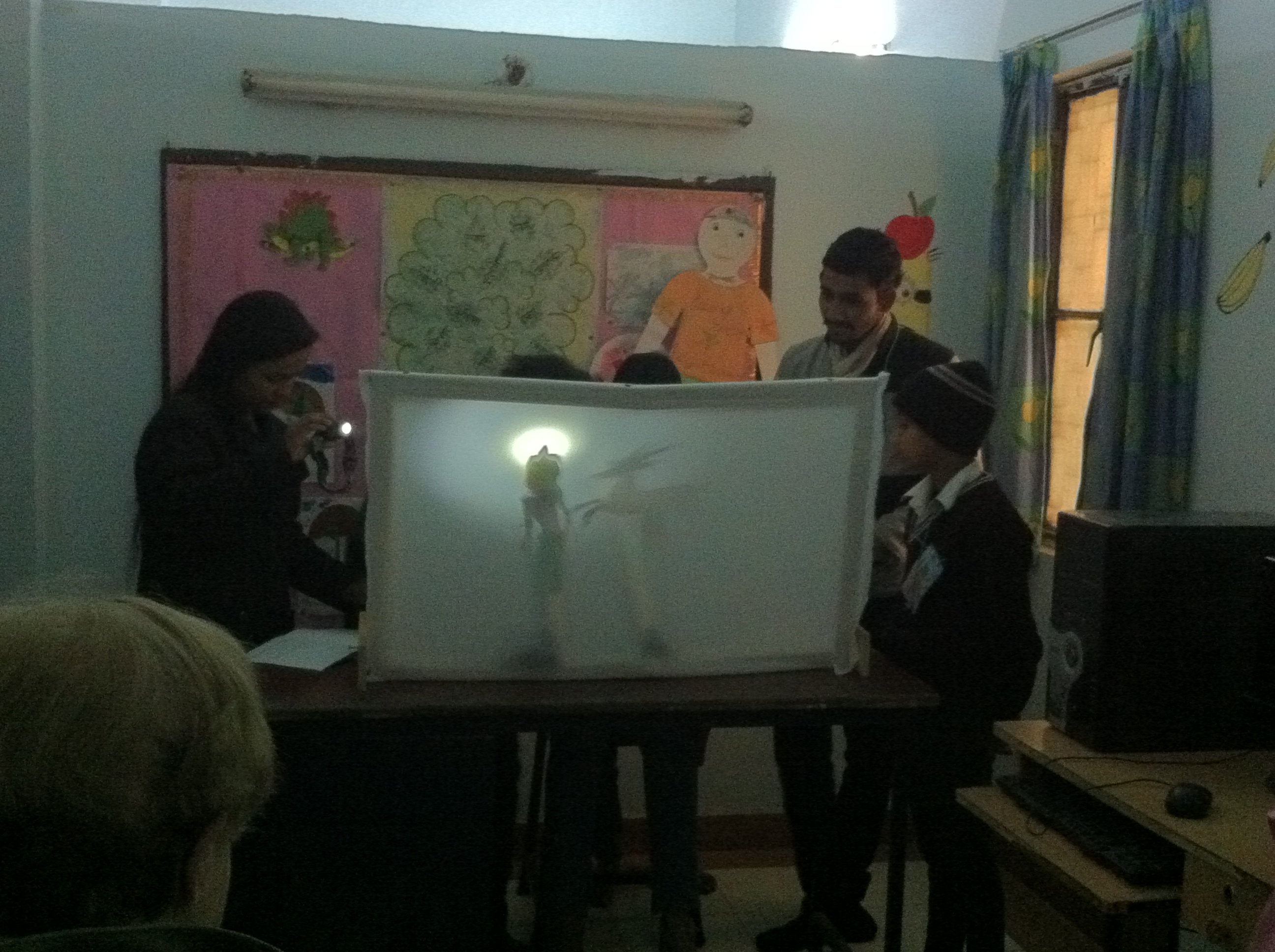 Puppet show by the team at Tigri slum.