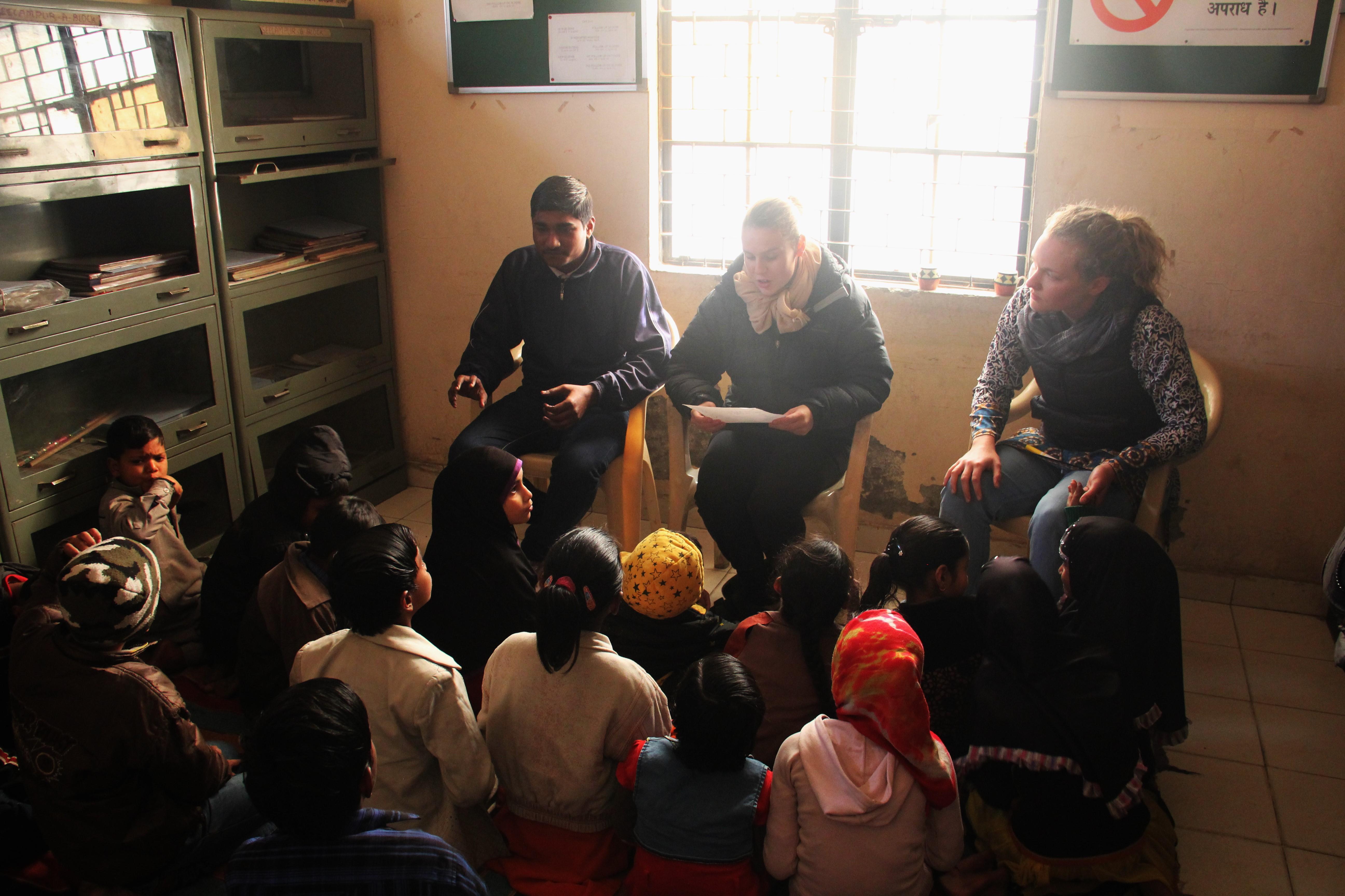 The team teaching English to Asha children