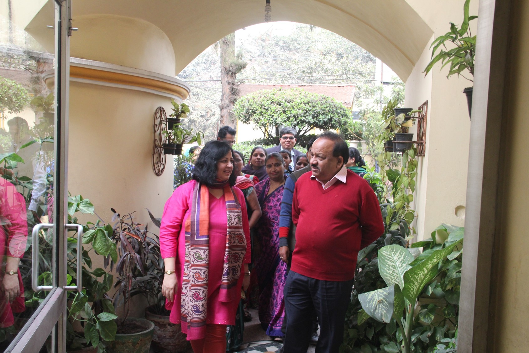 Dr Kiran and Dr Harsh Vardhan entering the Asha Polyclinic