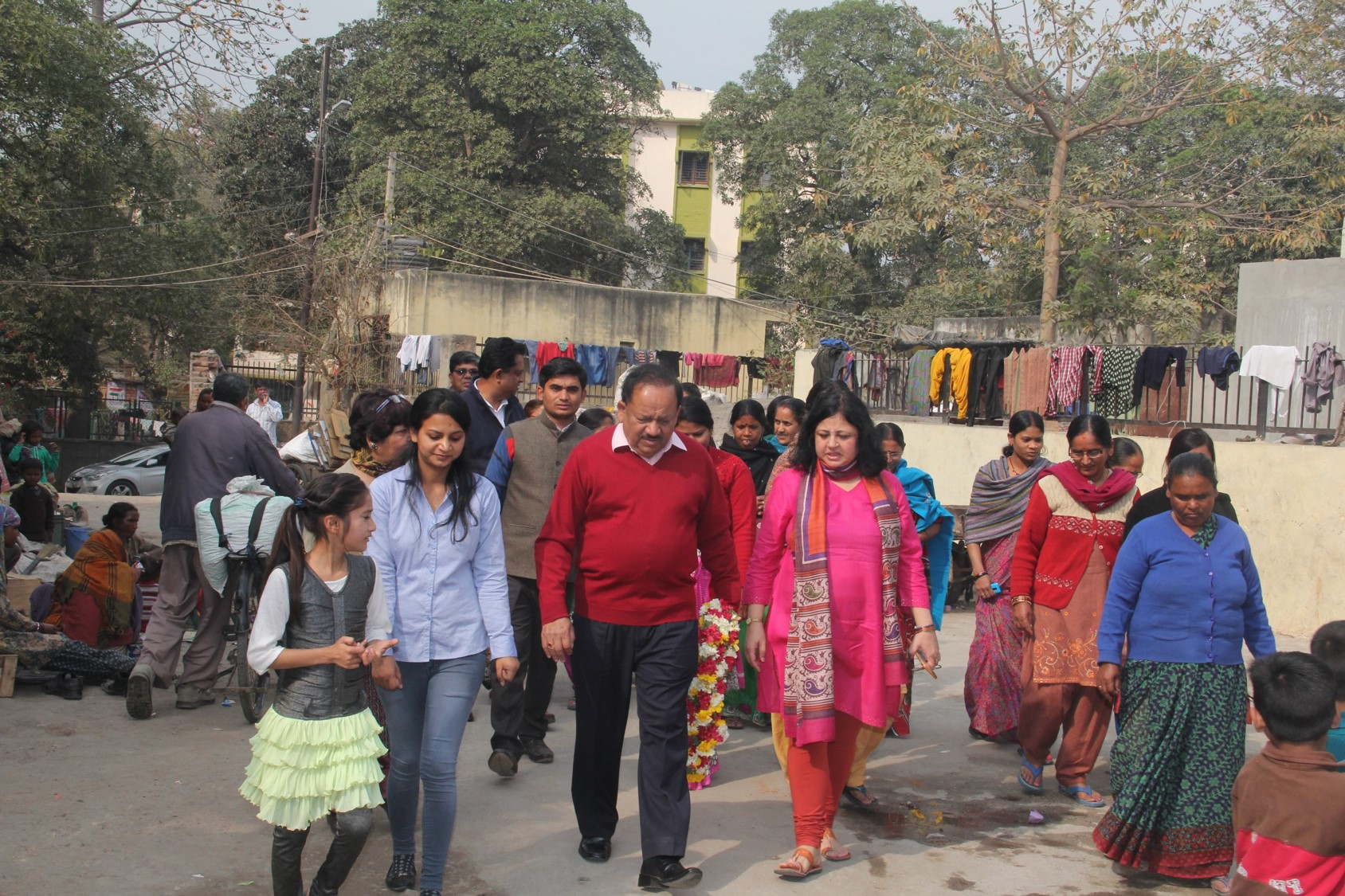 Dr Harsh Vardhan interacting with Asha Student Ambassadors