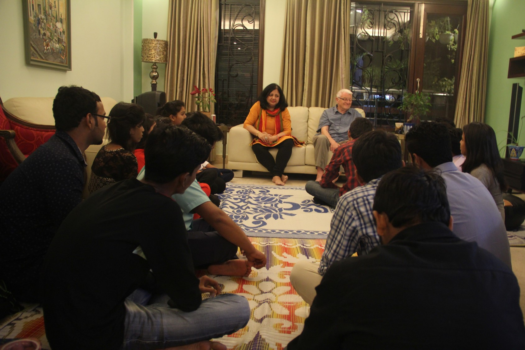 Dr Kiran and Phil interacting with the students