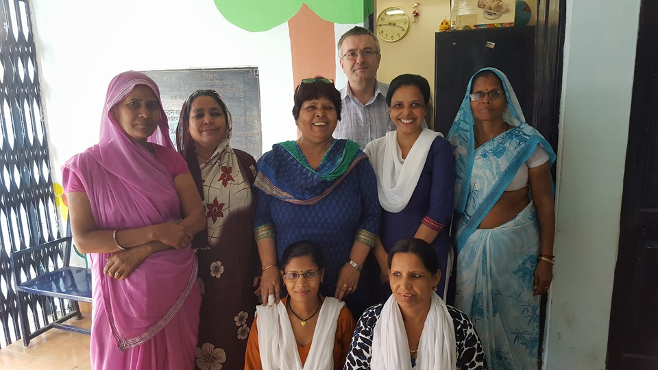 Dr Dick with the Asha team at Zakhira slum colony.