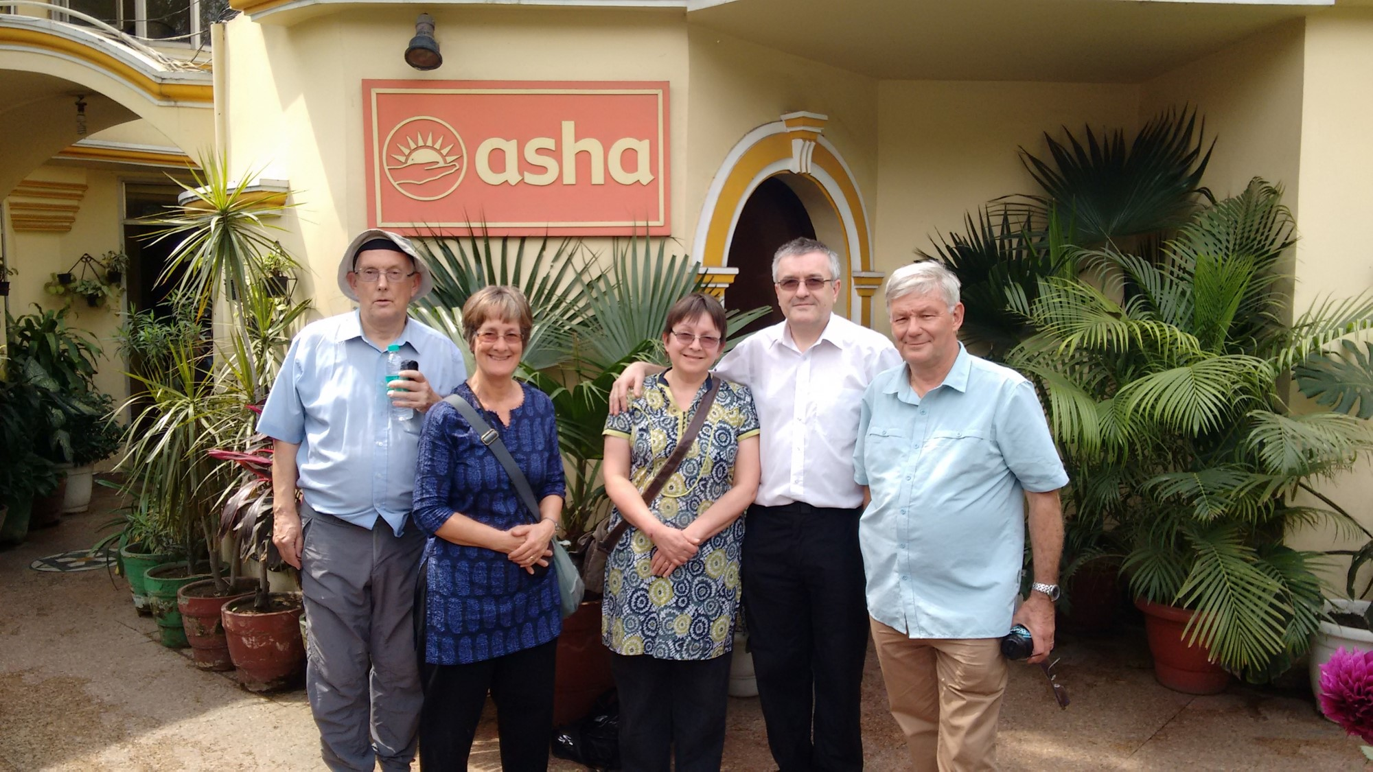 L-R : Steve Baker, Sue Rees, Julie Hogben, Dr Dick, and Nigel Rees, at the Asha Headquarters.