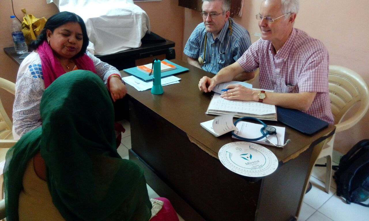 Dr Dick and Dr Dyer examining patients at Asha centre
