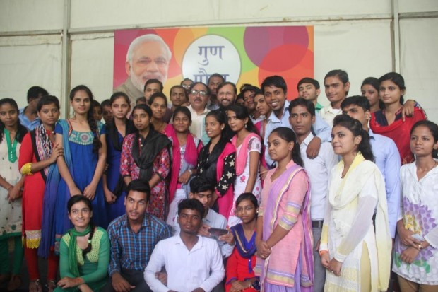 Indian HRD Minister, Mr Prakash Javadekar felicitates Asha High School Toppers