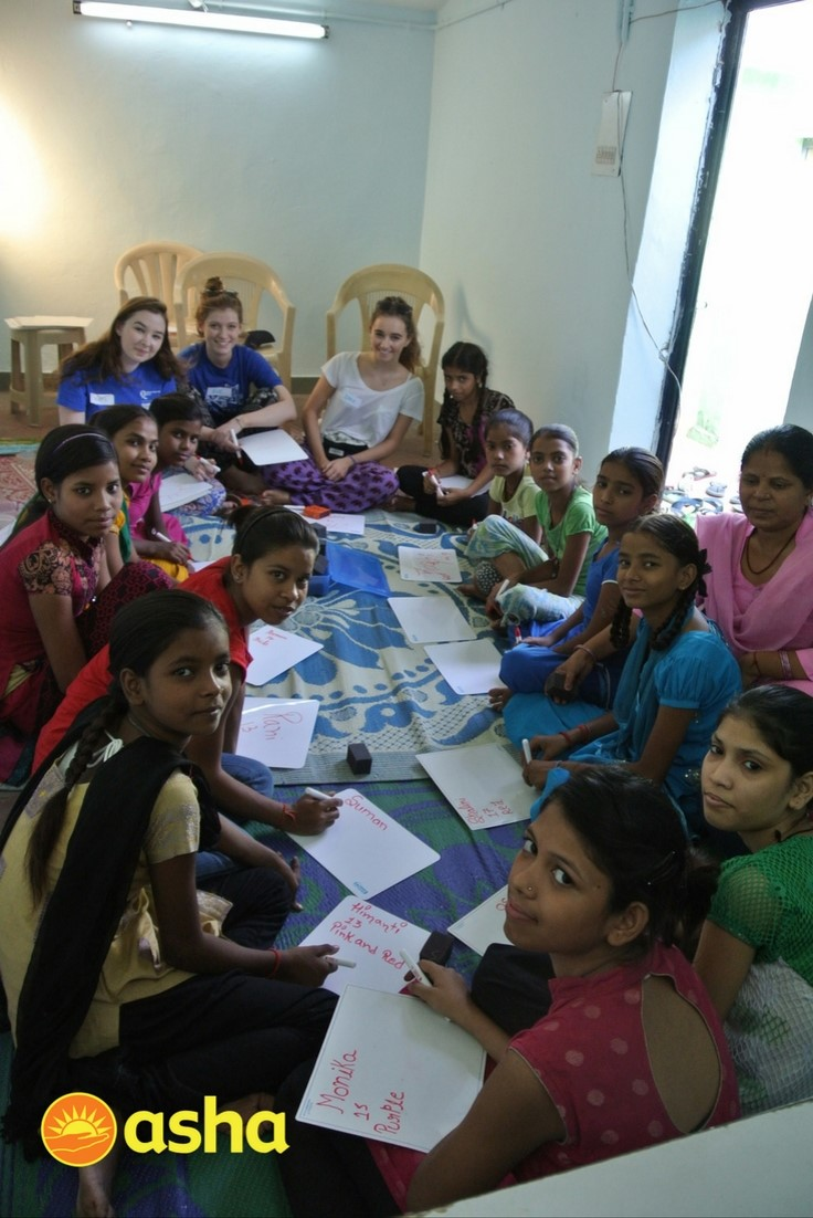 Team Methodist conducting an activity with Asha students.