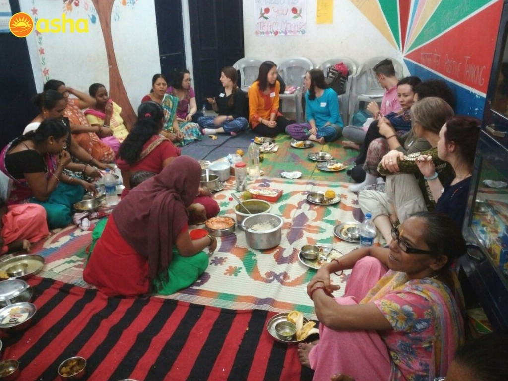 The Women's Association of Anna Nagar organised a potluck lunch for the team.