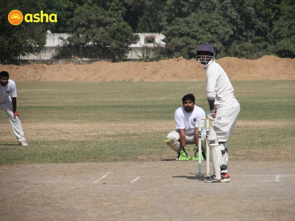 Both the team played wonderfully. Where Macquarie scored a brilliant 189/10, Asha students fought extensively but fell short of 30 runs, standing at 158/5.