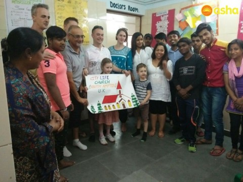 Team from City Life Church spreads joy at Asha