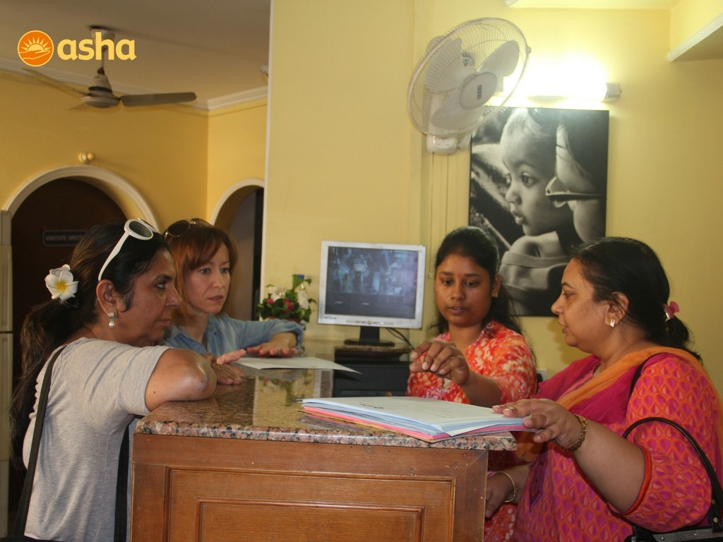 Jennifer Graham and Malti Bhandari understanding the Asha Polyclinic functionality