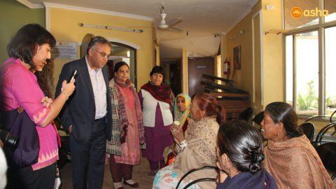 Dr Ashish Jha: Imparting knowledge at Asha