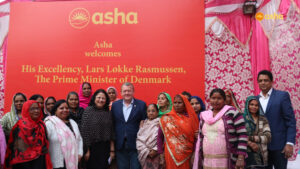 Asha Women Association for a photo opportunity with Prime Minister Rasmussen