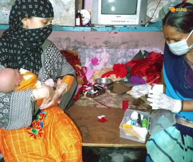 Asha COVID-19 Emergency Response: Asha Community Health Volunteers provide medications to the sick in the slums