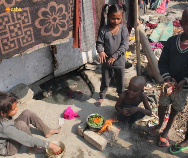 Asha provides relief to slum dwellers living by the riverbed